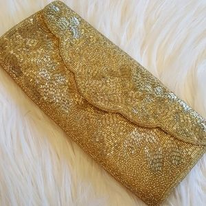 LONG AND LEAN VTG GOLD SEQUIN CLUTCH